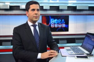 Clébio foi apresentador da Record News e hoje é repórter da Record em Brasília (foto: Reprodução/Record)