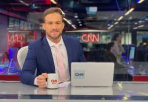 Adjuto é promovido a titular do Live CNN (foto: Reprodução)