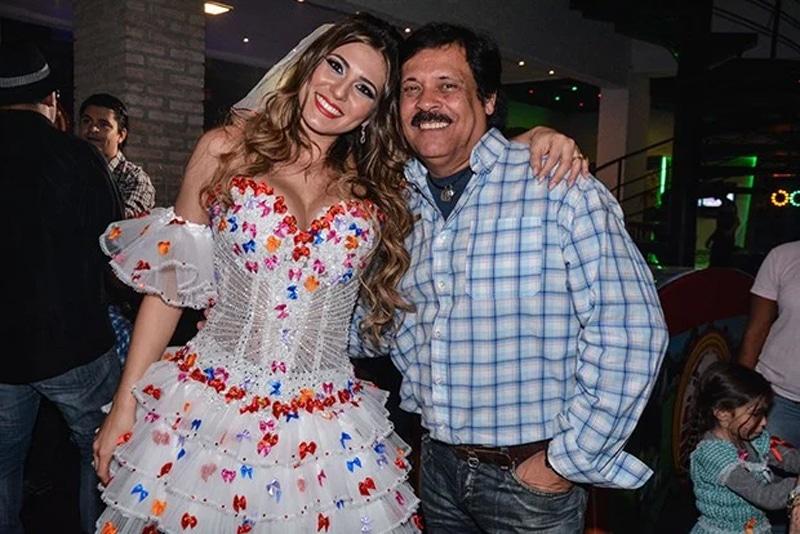 Carlinhos Aguiar e Lívia Andrade podem ser chamados de volta assim que Silvio voltar a gravar (foto: Reprodução)