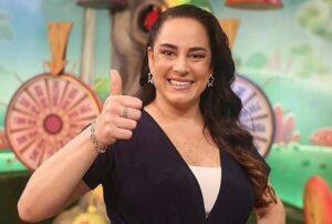 Silvia negou o fim do programa que apresenta nas manhãs do SBT (foto: SBT/Reprodução)
