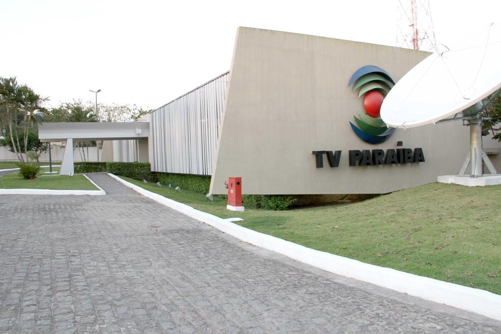 Jornalistas da TV Paraíba tiveram objetos pessoais roubados durante o trabalho (foto: Reprodução)
