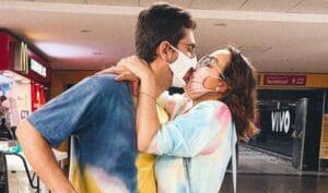 A youtuber Camila Monteiro posa ao lado de seu marido (foto: Reprodução/Instagram)