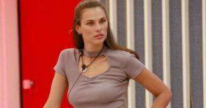 A modelo brasileira Dayane Mello é a primeira finalista do Big Brother italiano (foto: Reprodução/Mediaset)