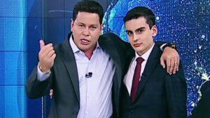 Dudu Camargo e Marcão do Povo posam no estúdio do Primeiro Impacto (foto: Reprodução/SBT)