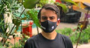 Dudu Camargo vestiu máscara com o logo da Record e da novela Gênesis (foto: Reprodução/Instagram)