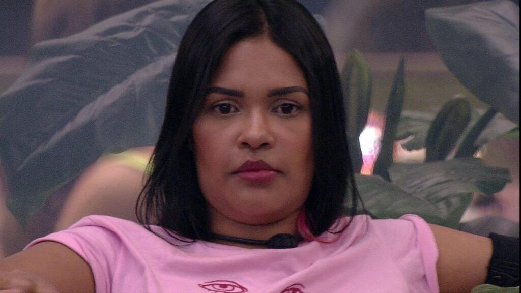 A ex-BBB Flay, atualmente conhecida como o terror da OMS (foto: Reprodução/TV Globo)