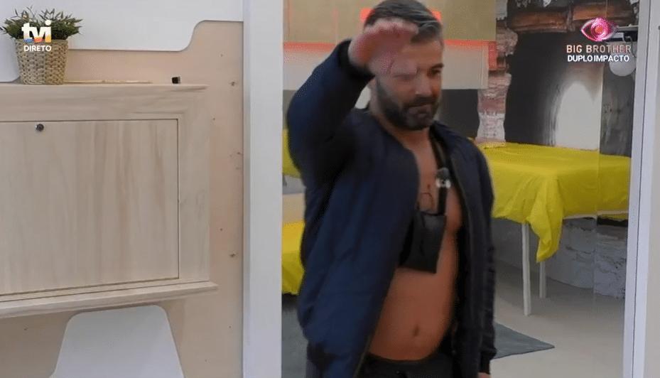 Hélder foi expulso do Big Brother de Portugal (foto: Reprodução/TVI)