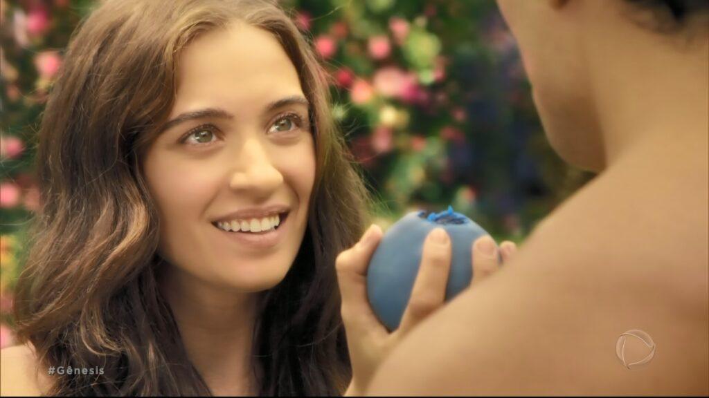 A atriz Juliana Boller interpreta Eva em Gênesis (foto: Reprodução/Record)