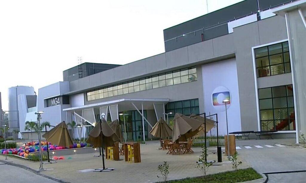 A emissora carioca tem se desdobrado para conseguir manter o cronograma de filmagens (foto: Reprodução/Globo)