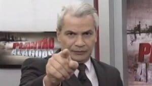 Sikêra Jr. ameaçou os telespectadores da Globo, da Record e do SBT (foto: Reprodução/TV Ponta Verde)