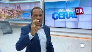 Bocão e o seu Balanço Geral são um dos maiores expoentes da programação local no país (foto: Reprodução/Record)
