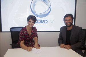 Mariana Godoy assina contrato com a Record (foto: Record/Edu Moraes)