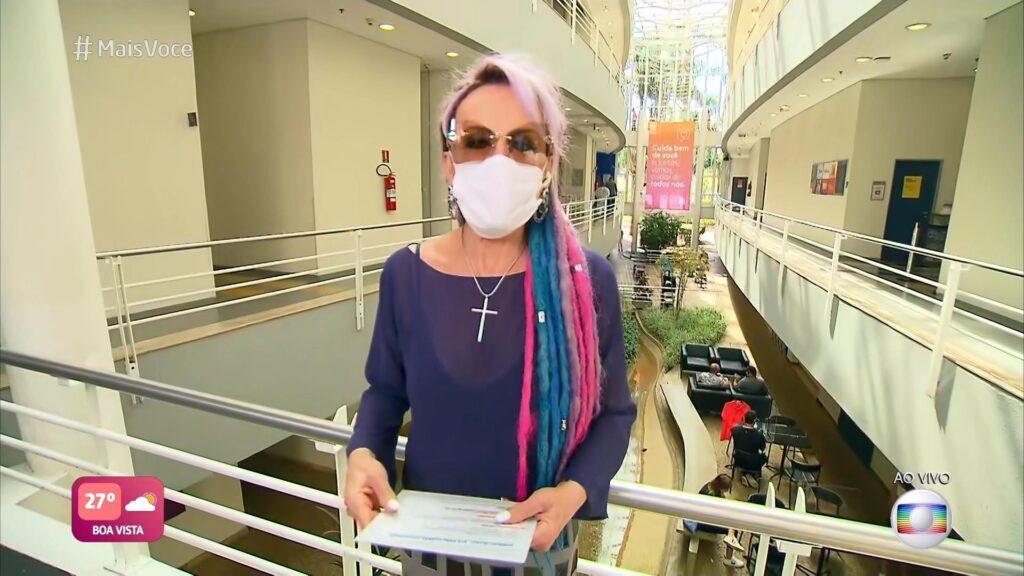 Ana Maria Braga quer fugir de café da manhã com Karol Conká (foto: Reprodução/TV Globo)