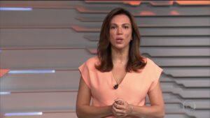 Ana Paula Araújo no Bom Dia Brasil de 15 de fevereiro; jornalista foi substituída às pressas por Silvana Ramiro (foto: Reprodução/TV Globo)