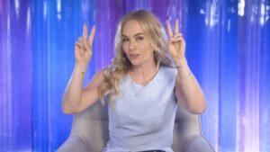 Angélica foi dispensada da Globo e está livre para procurar novas parcerias (foto: Reprodução/TV Globo)