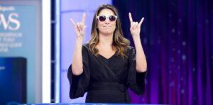 Rebeca Abravanel vai se mudar com Alexandre Pato para os EUA (foto: Divulgação/SBT)