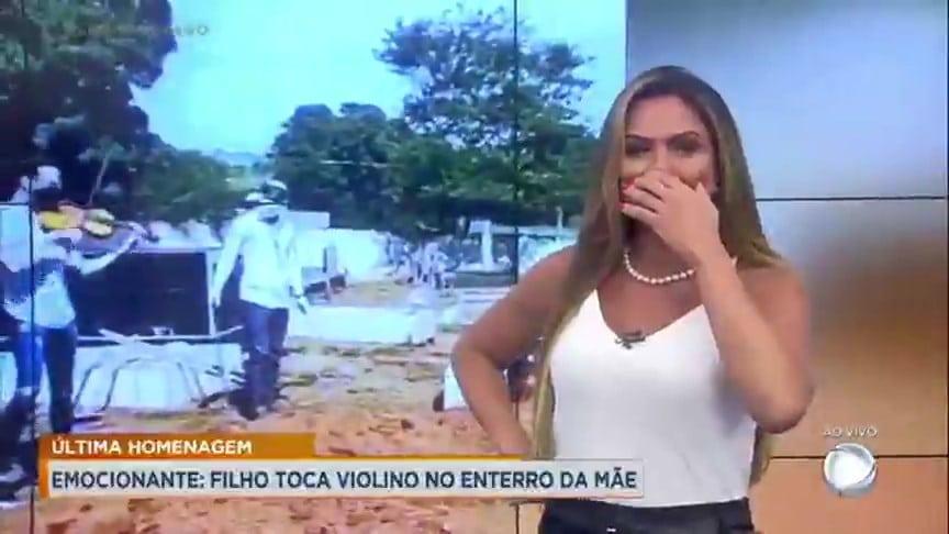 Silvye Alves apresenta a edição local do Cidade Alerta em Goiânia (foto: Reprodução/Record)
