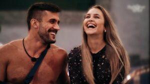 Para astrólogo das celebridades, Carla Diaz e Arthur Picoli podem até acabar se casando (foto: Reprodução/Globo)