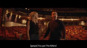 """Trecho do clipe de Follow You com Rob dizendo: """"Você trouxe o The Killers!"""" (foto: Reprodução)"""