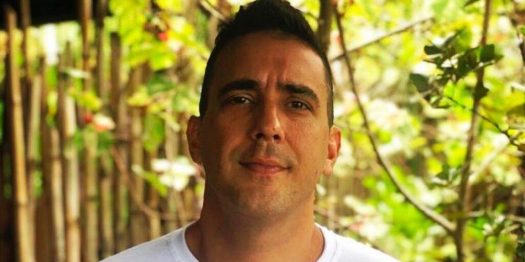 André Marques será o sucessor de Zeca Camargo em No Limite (foto: Reprodução/Redes Sociais)