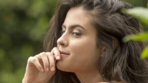 Hana Khalil reclama de ataques por não depilar as axilas (foto: Reprodução)