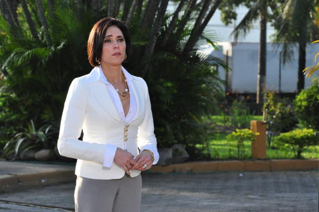 Christiane Torloni revê trabalhos antigos na televisão (foto: Globo/Estevam Avellar)