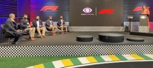 Glenda Kozlowski apresentou a coletiva da Band com novidades sobre a Fórmula 1 (foto: Divulgação/Band)