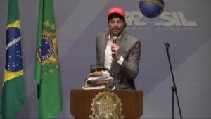 Danilo Gentili falou publicamente sobre a possibilidade de ir para a política (foto: Reprodução/Redes Sociais)