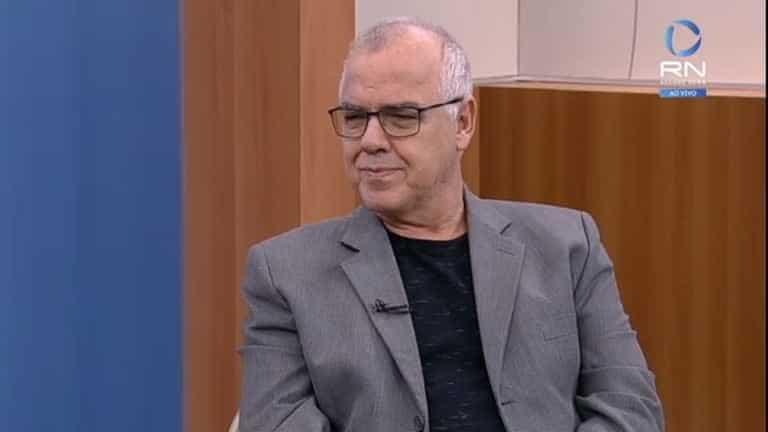 Domingos Fraga é um dos diretores de Jornalismo da Record: ele testou positivo para Covid-19 (foto: Reprodução/Record News)