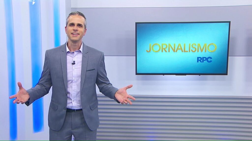 Gustavo Parra trocou a Globo pelo Balanço Geral na RIC, afiliada da Record no Paraná (foto: Reprodução/RPC)