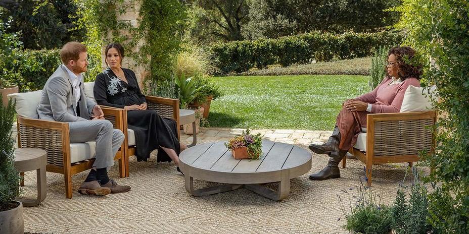 Em entrevista para Oprah Winfrey, o príncipe Harry e Meghan Markle revelaram ter sido abandonados pela família real (foto: Reprodução/CBS)