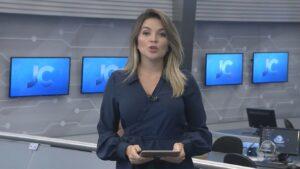 A jornalista Lívia Baral pediu demissão da Record de Fortaleza para virar coach (foto: Reprodução/TV Cidade)