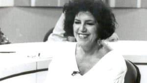 A jornalista Lúcia Leme apresentou o Sem Censura na TVE Brasil (foto: Reprodução)
