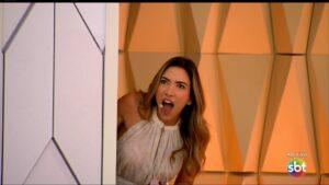 Patricia Abravanel na estreia do Vem Pra Cá: programa sofreu com a Cultura em pleno primeiro dia (foto: Reprodução/SBT)