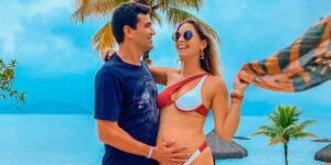 Raka Minelli posa ao lado de seu marido, o empresário Daniel Gaspary (foto: Reprodução/Redes Sociais)