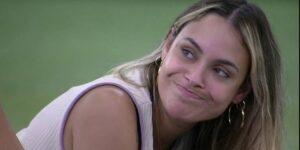 Em queda livre, equipe de Sarah comemorou a marca de oito milhões de seguidores pela segunda vez (foto: Reprodução/TV Globo)