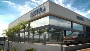 Edifício sede da RIC, afiliada da Record em Londrina, foi interditado por um surto de Covid-19 (foto: Reprodução/RIC)