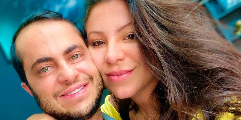 O vereador Thammy Miranda posa ao lado da mulher, a modelo Andressa Ferreira (foto: Reprodução/Redes Sociais)