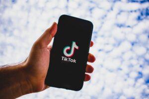 TikTok acabou se tornando responsável por uma revolução na indústria musical (foto: Divulgação)