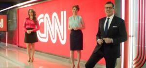 Carla Vilhena, Glória Vanique e Márcio Gomes foram os reforços mais recentes da CNN Brasil: um ano em terceiro lugar (foto: Reprodução/CNN Brasil)