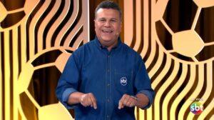 Teo José é a principal voz dos eventos esportivos transmitidos pelo SBT (foto: Reprodução/SBT)
