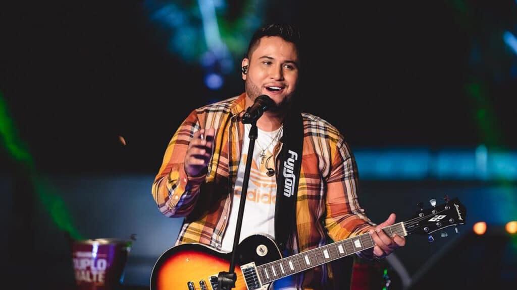 Live do cantor sertanejo Felipe Ferraz foi encerrada por fiscalização (foto: Reprodução/Instagram)