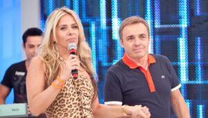 Adriane Galisteu substituirá Gugu Liberato na apresentação do Power Couple Brasil (foto: Reprodução/Record)