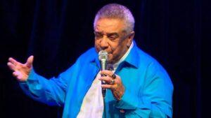 O cantor Agnaldo Timóteo estava internado desde março por complicações da Covid-19 (foto: Reprodução/YouTube)