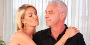 A apresentadora Ana Hickmann posa ao lado de seu marido, o empresário Alexandre Correa (foto: Reprodução/Redes Sociais)