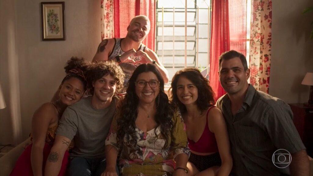 Amor de Mãe se despediu sem bater recorde de audiência: pior média desde O Sétimo Guardião (foto: Reprodução/TV Globo)