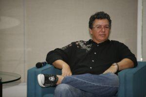 Em entrevista inédita, Boninho alfinetou A Fazenda e insinuou que reality da Record é ruim (foto: Fabrício Mota/TV Globo)
