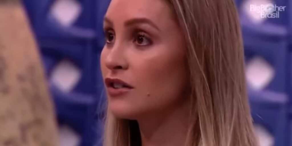 Carla Diaz é chamada para depor em inquérito em que ela aparece como vítima de racismo (foto: Reprodução/TV Globo)