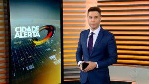 Luiz Bacci no Cidade Alerta de 8 de abril: Record quer deixar programa só para São Paulo (foto: Reprodução/Record)