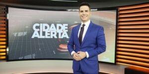 Luiz Bacci é o apresentador do Cidade Alerta: telejornal deu prejuízo para a emissora mais uma vez (foto: Edu Moraes/Record)